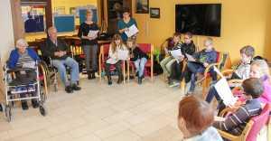 Vorlesen im Seniorenzentrum